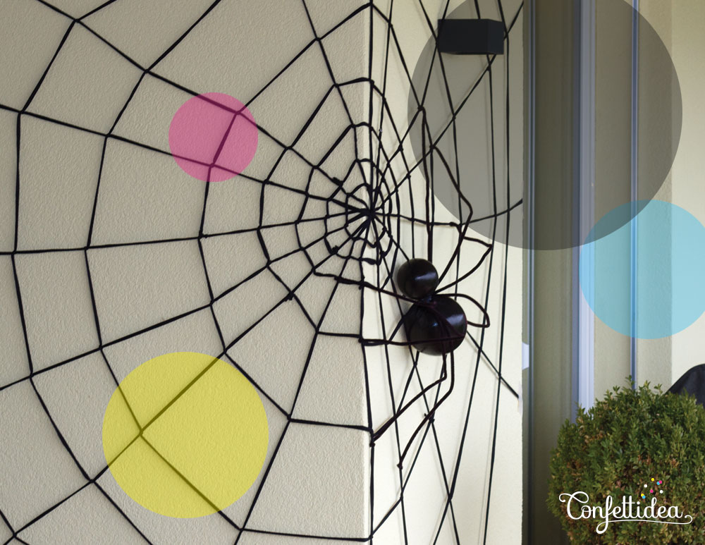 giant spider web DIY Halloween